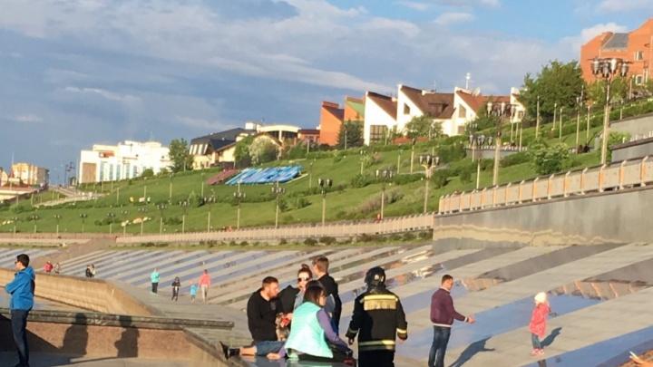 В Туре утонул мальчик, упавший с бордюра на нижнем ярусе набережной