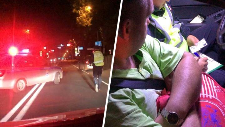 «Мчался на красный»: в Самаре сотрудники ГИБДД гнались за водителем четыре квартала