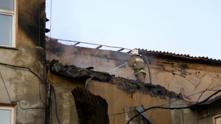 В Кургане в промзоне горело здание литейного завода