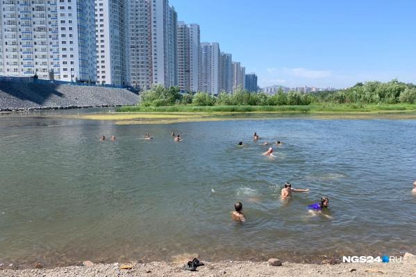 Так выглядит берег в жаркую субботу
