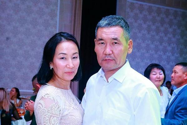 Камчыбек Каримов с женой. У него осталось трое детей