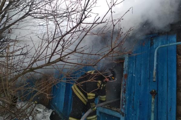 Пожарные обнаружили погибшим мужчину