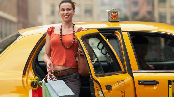 В «Яндекс. Такси» дают на чай: Ростов вошел в топ-3 юга России по чаевым для таксистов