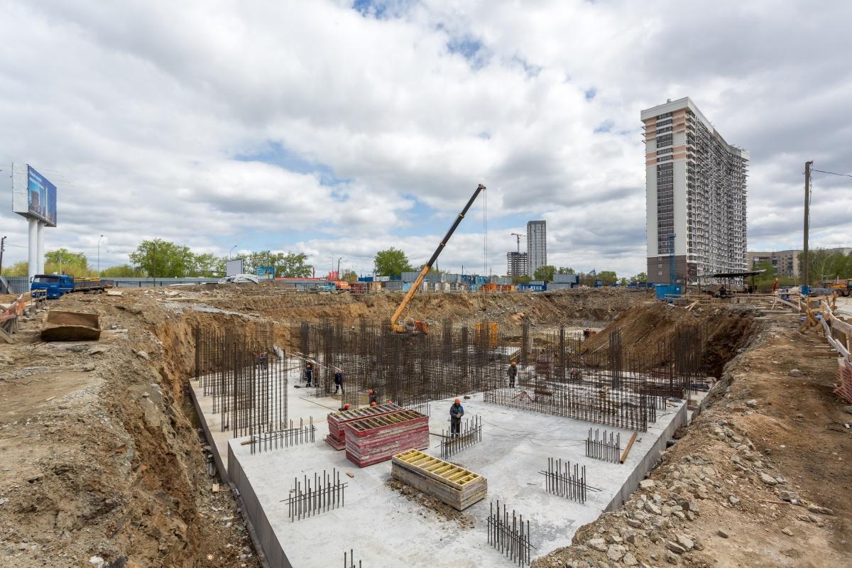 На стройплощадке «Татлина» задействовано несколько подрядных организаций, с которыми «PRINZIP-недвижимость» сотрудничает и на других своих объектах