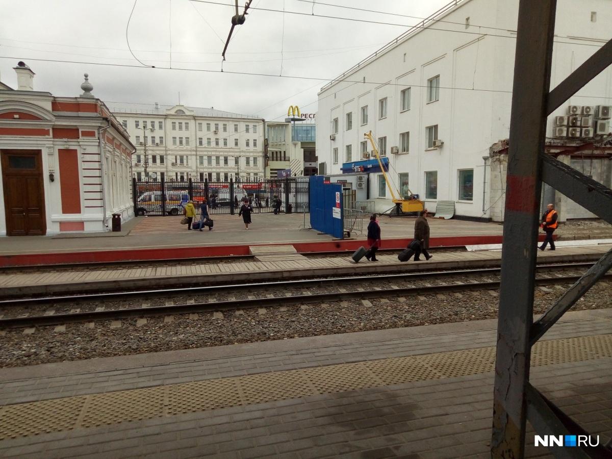 Волна эвакуации в Нижнем Новгороде накрыла вузы и торговые центры. Следим онлайн