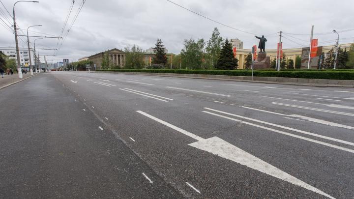 «Волгоградская дорога идиотизма»: на проспекте Ленина двойную разметку раскрасили в разные цвета