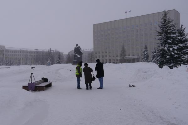 Так выглядела площадь Ленина в 10:17. В это время на ней находились только участники экобессрочки