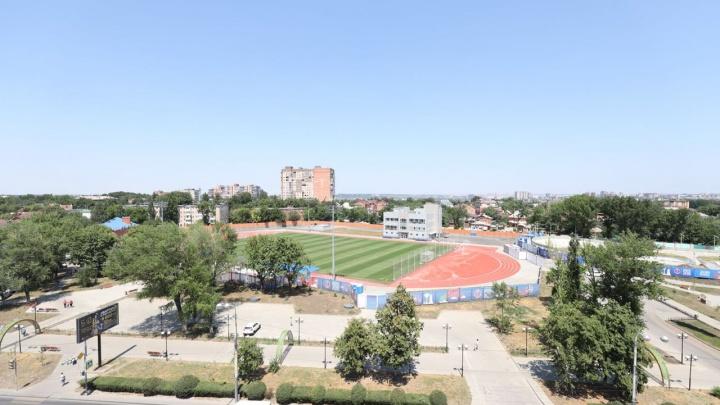 «Это место не для всех»: охранник потребовал с ростовчанки деньги за вход на стадион «Локомотив»