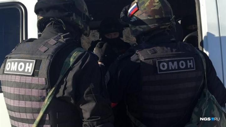 Полицейские устроили облаву на мигрантов на улице Тульской