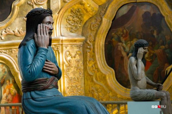 Уже в эти дни, в новогодние каникулы, пермяки могут сами выбирать нужную экскурсию на сайте. Возможно, это будет отдел знаменитой Пермской деревянной скульптуры