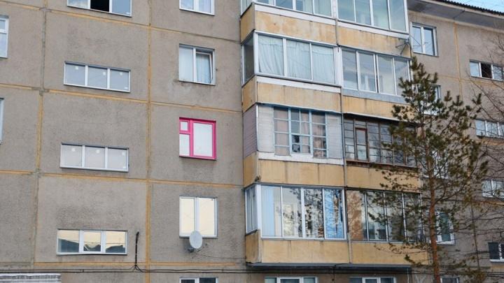 «Устанавливал для детей!»: мужчина отсудил у сватьи 5 пластиковых окон