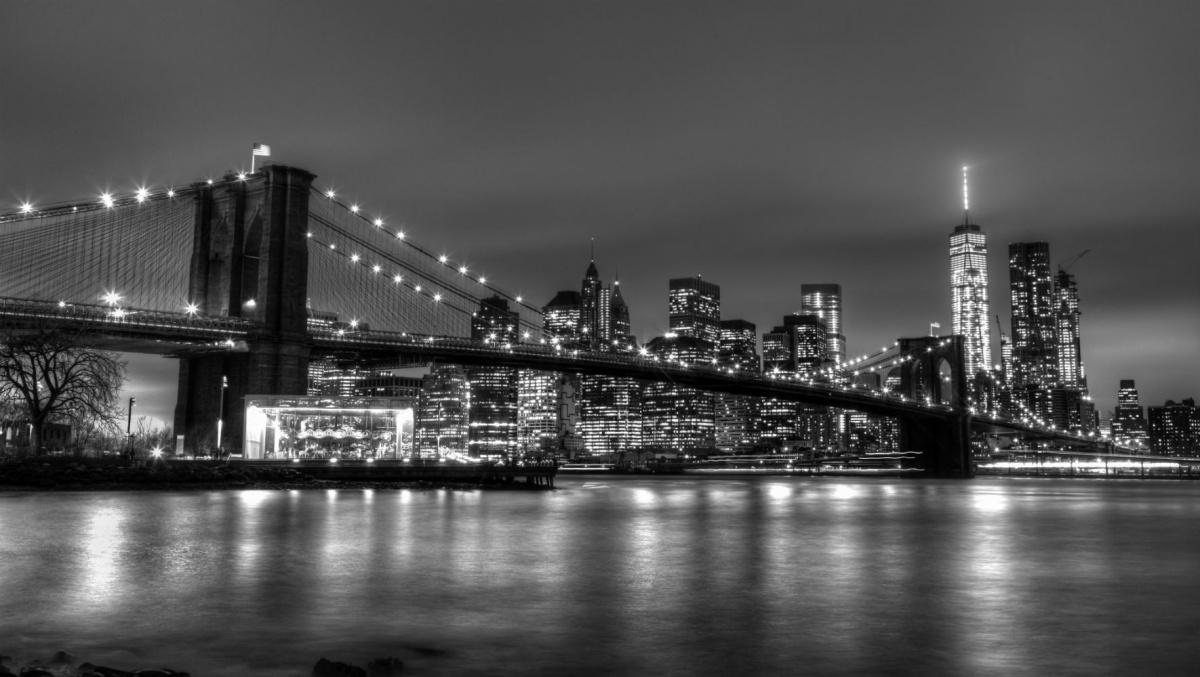 Для оформления стены участница «Сезона ремонта» выбрала изображение именно этой достопримечательности Нью-Йорка
