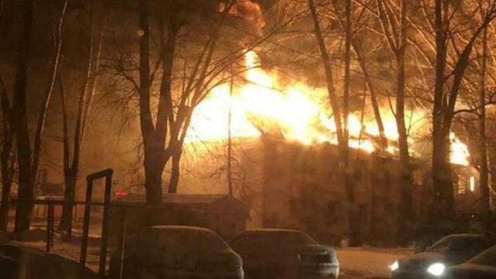 В северной части Уфы сгорел дом, отданный под снос
