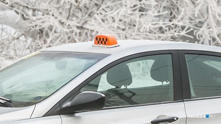 Пассажир сломал ногу в драке с таксистом в Водниках