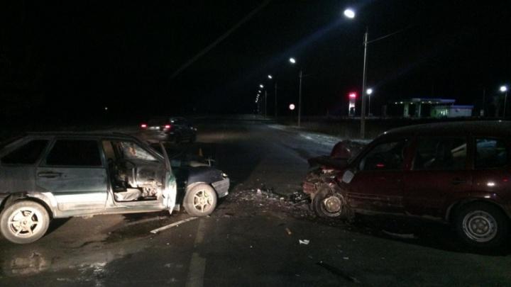 Три человека в больнице: на трассе в Ярославской области произошло серьёзное ДТП