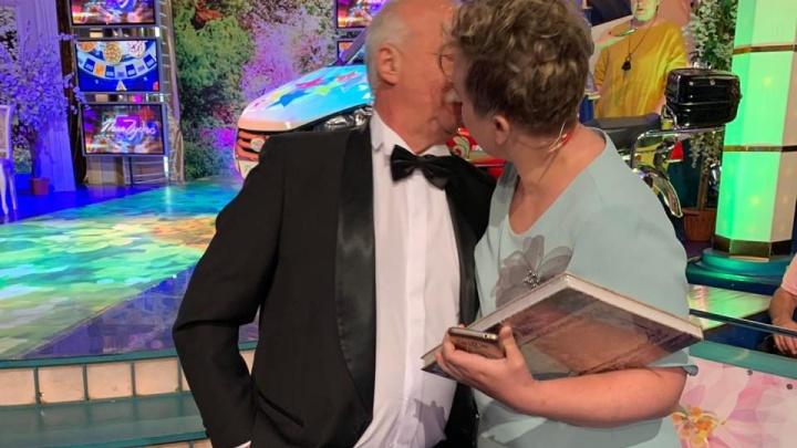 Жаркий поцелуй с Якубовичем: сибирячка попала на «Поле чудес»и рассказала про закулисье шоу