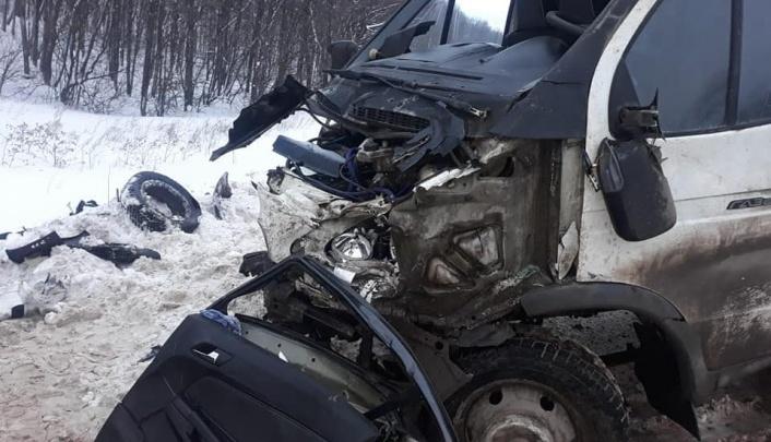 Появилось видео с места смертельной аварии на трассе в Башкирии, где погибли три человека