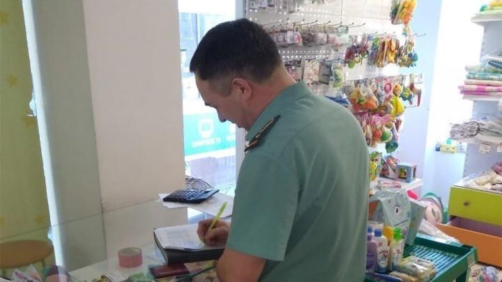 Приставы арестовали игрушки у магазина детских товаров «Лёвушка» в Архангельске