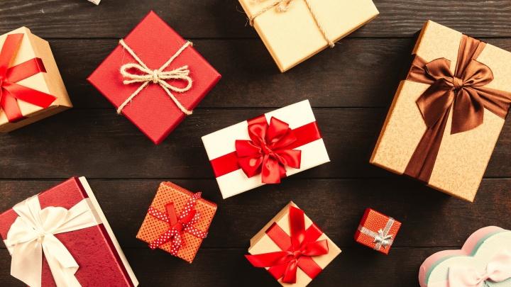 Спасительная коробочка для 1 января и сеанс у психолога: 15 простых идей для новогодних подарков