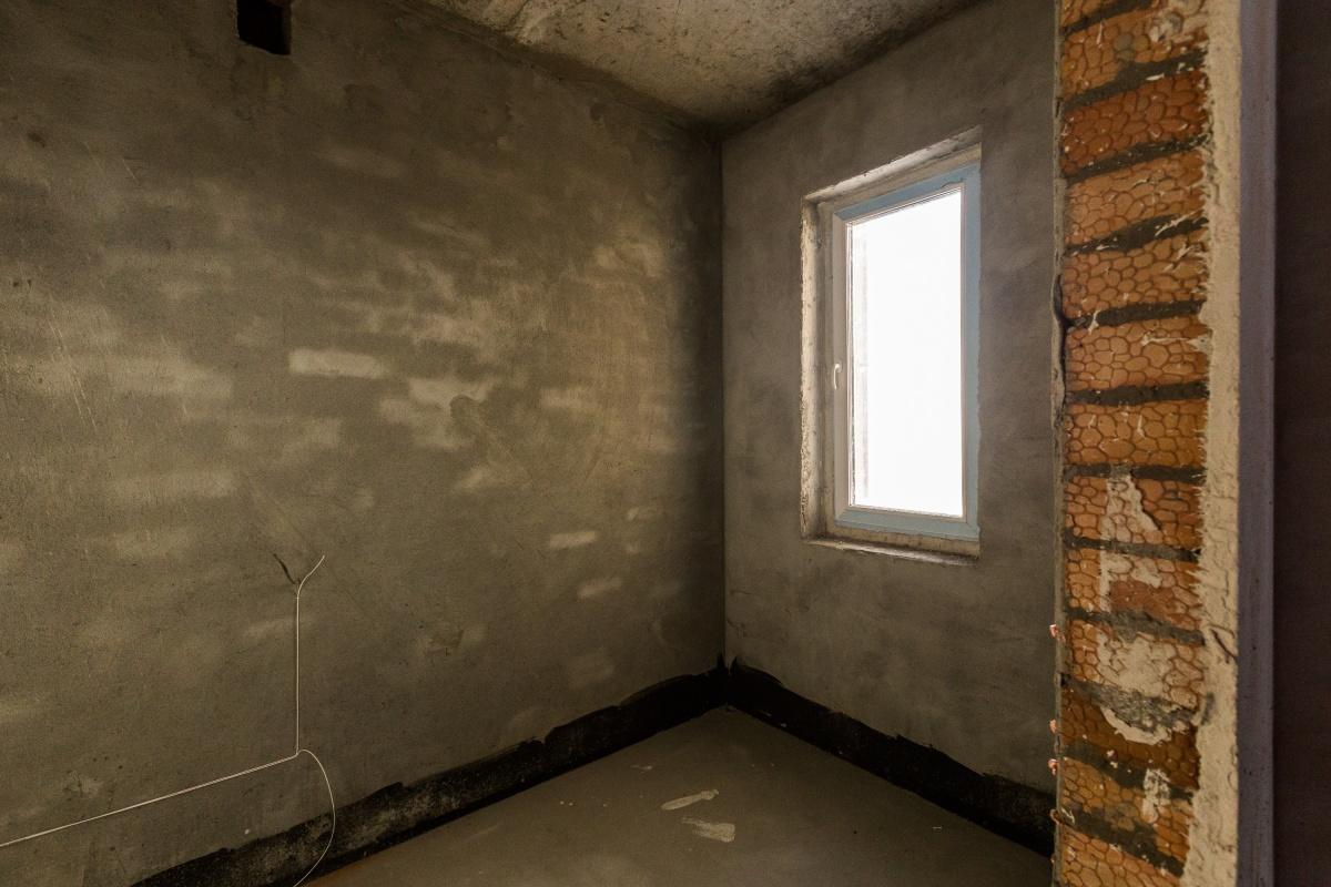 Случай произошёл в Советском районе города — в квартире остались голые стены