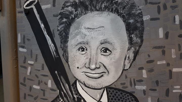 «А хулиганов нет!»: в Кургане по адресу: Пичугина, 8 появился новый арт-объект