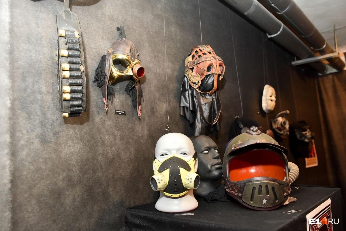 Многие маски изготовлены из вторсырья