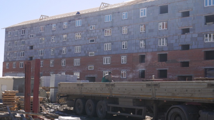 40 детей-сирот поселят в новостройке в Заозерном