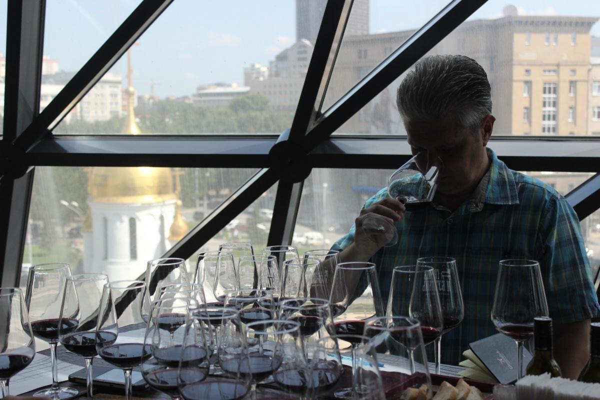 Тестирование вслепую позволяет отделить впечатления о вине и имидже производителя