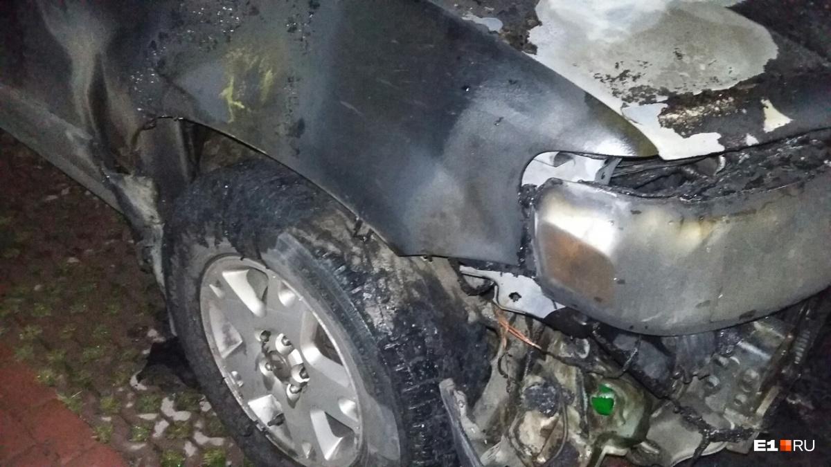 Ремонт обгоревшего Ford наверняка встанет в копеечку