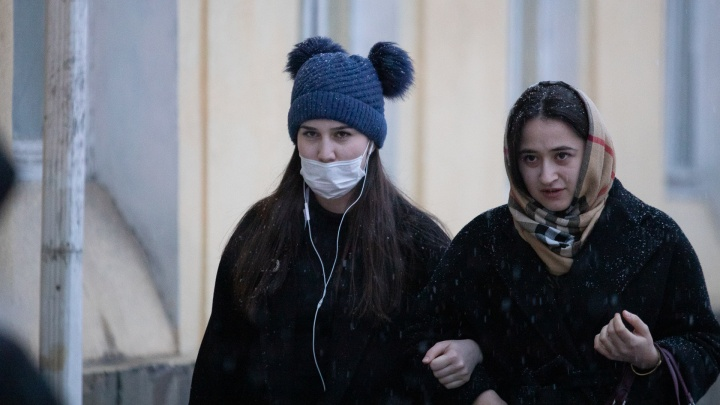 В ростовской полиции опровергли информацию о задержаниях людей в медицинских масках