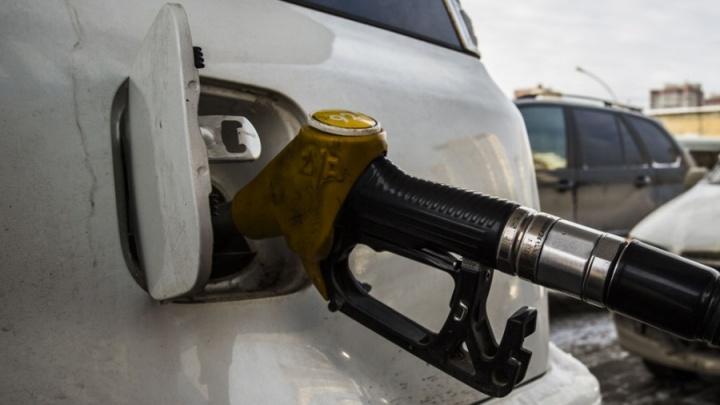 Четыре новосибирских АЗС оштрафованы за некачественный бензин