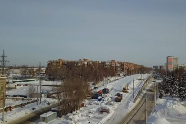 Сейчас на Заводском шоссе ремонтируют участок от XXII Партсъезда до Земеца