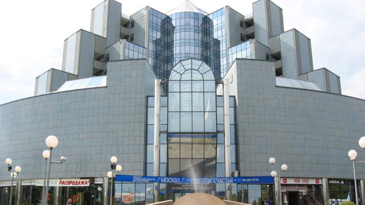 На фасадах в 12 городах России покажут ролики о героях войны: Волгоград в списке