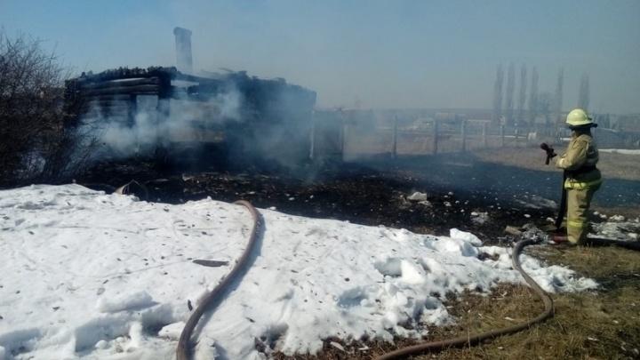 Горит трава — гори и баня: жительница Башкирии устроила пожар