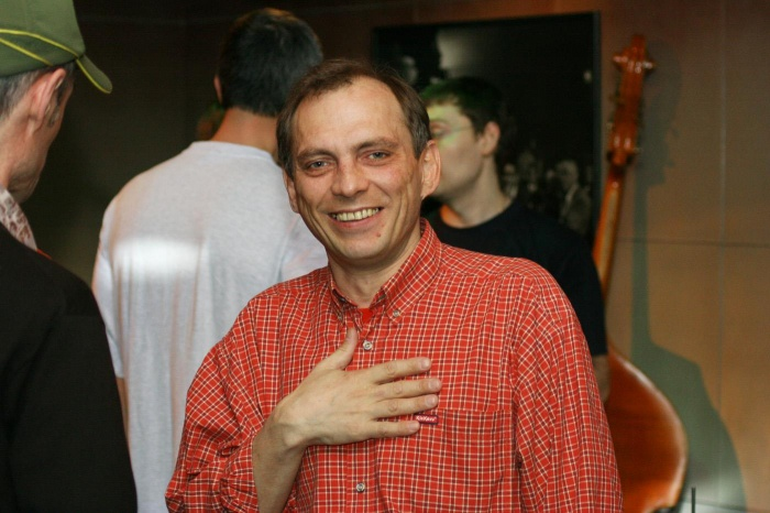 Владимир Кирпичёв на одном из выступлений в Академгородке