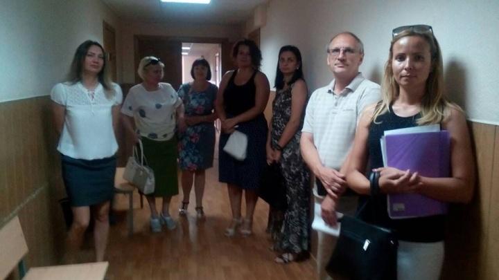 «Мертвые души» и сектанты: В Волгограде заставили уволиться директора геронтологического центра