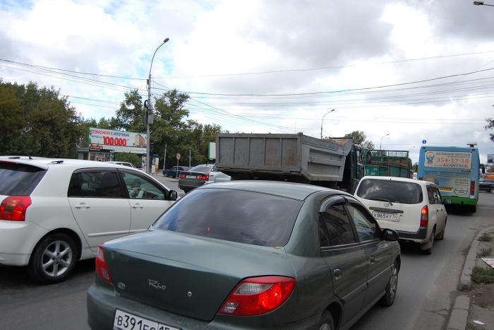 Яндекс оценил утреннюю пробку через Винаповский мост как необычно сложную