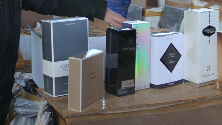Kenzo, Chanel и Gucci: самарские таможенники задержали фуру с паленым парфюмом