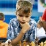 «Дедушка уже не берётся с ним играть». Челябинка рассказала, как воспитала чемпиона мира по шахматам
