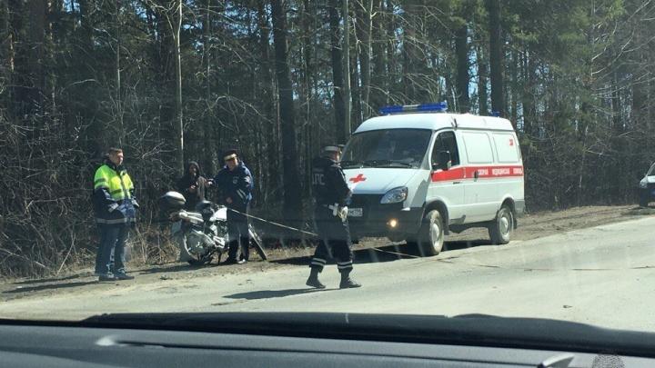 Водитель иномарки не уступил дорогу: у посёлка Новоберёзовский в ДТП пострадал байкер