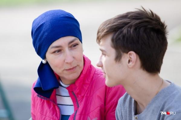Надежда Зимина несколько лет борется с раком груди и пытается вернуть сына