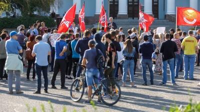 Новое движение, неудачники-кандидаты и пожилые люди: в Волгограде прошёл митинг за честные выборы