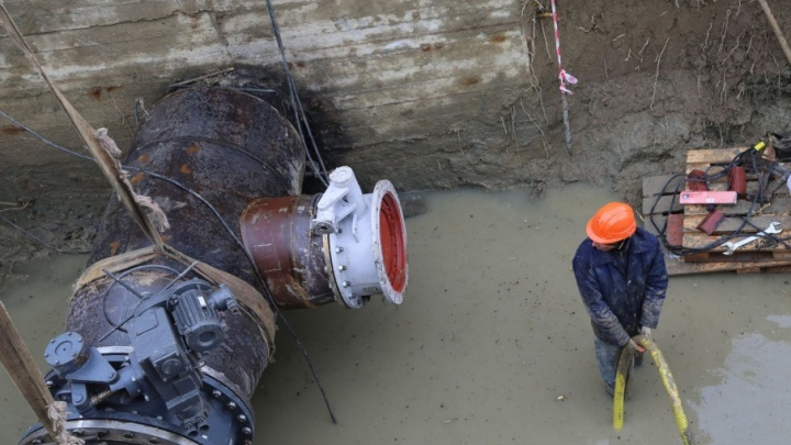 Обошлись без полной остановки: в Волгограде ликвидирован прорыв на магистральном водоводе