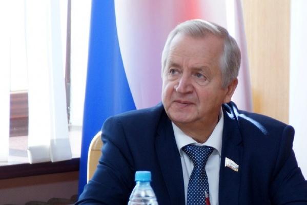 Алексей Овчинников ранее награждён медалью «Ветеран труда» и орденом Дружбы