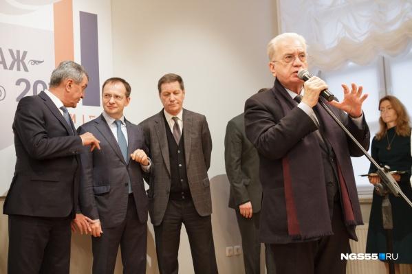 Директор Эрмитажа Михаил Пиотровский уверен, что омское представительство не должно превращаться в отдельный музей: там просто будут показывать некоторые экспонаты из питерских фондов