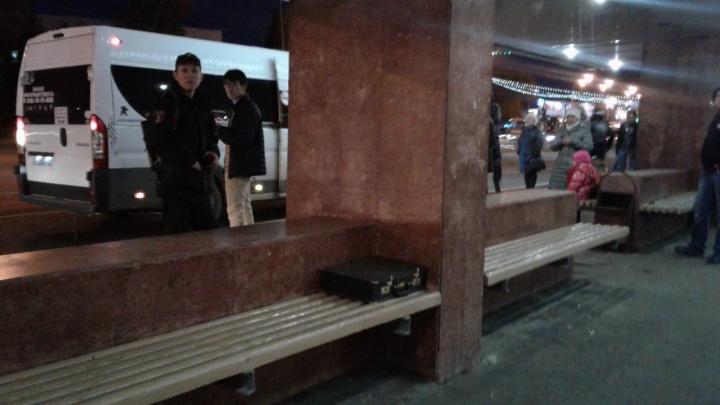 Остановка оцеплена: в Уфе из-за подозрительно предмета подняли на уши все экстренные службы