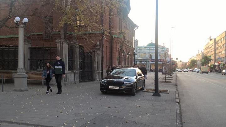 «Я паркуюсь как»: в лидерах— BMW с красивыми номерами