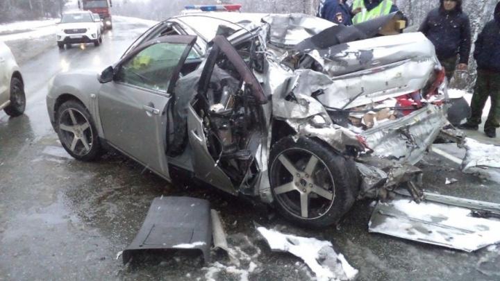 В аварии на заснеженной трассе М-5 в Челябинской области погибла женщина