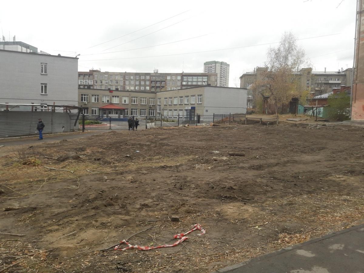 Так сейчас выглядит площадка, подготовленная к строительству бизнес-центра