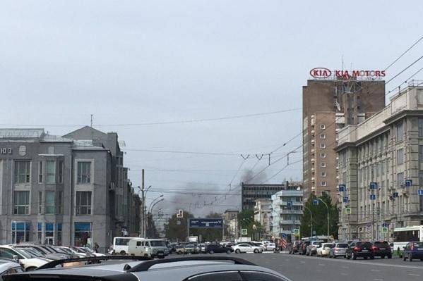 Дым видно с площади Ленина